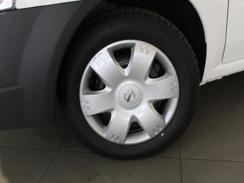 Nissan NP200 1.6 8V A/C + Safety Pack
