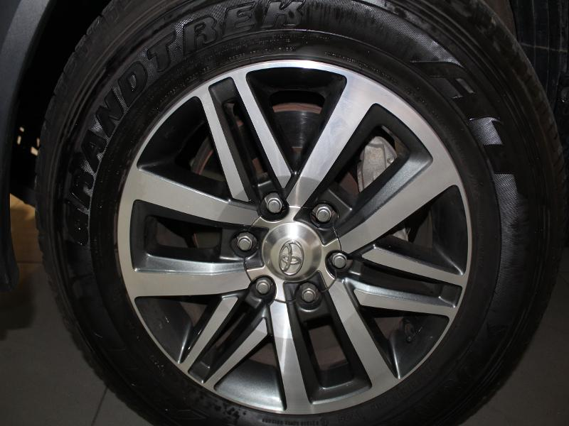 Toyota Fortuner Sc 2.8 Gd-6 Raised Body At