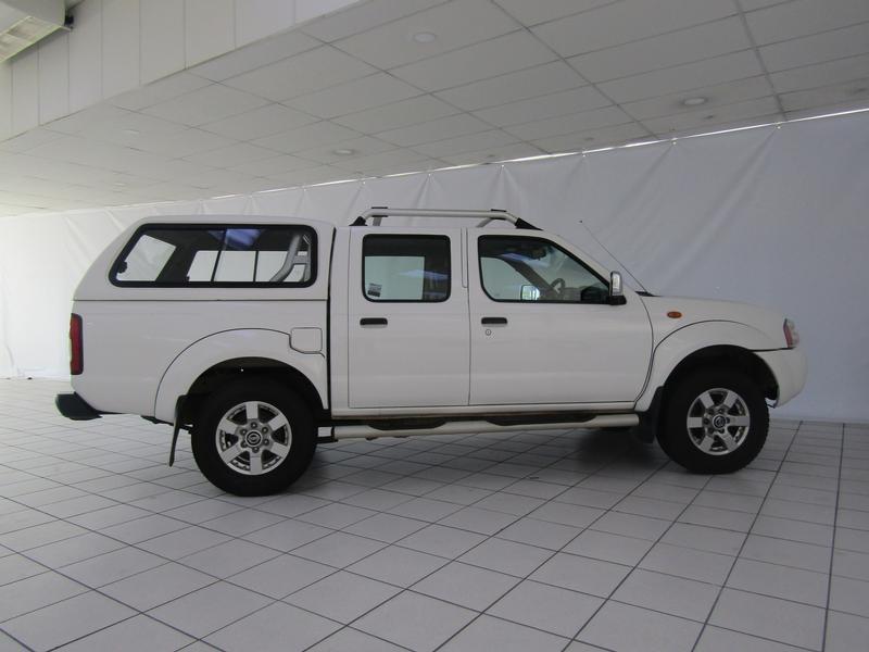 Nissan NP300 Hardbody 2.5 Tdi Se Hi-Rider D/cab