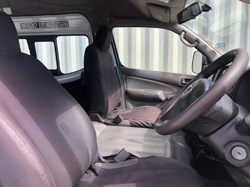 Nissan Nv350 2.5 Impendulo Taxi Ac