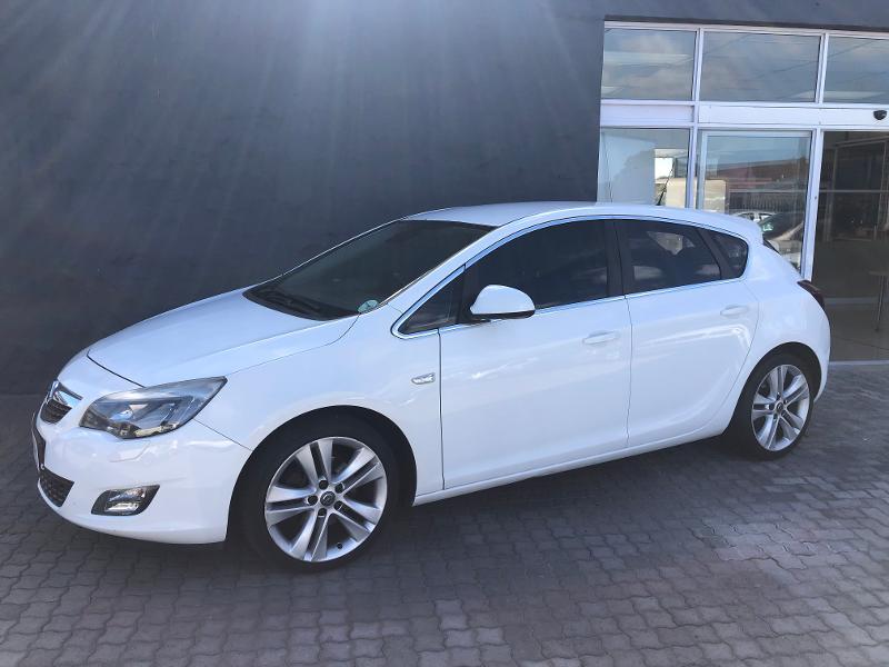 Opel Astra 1.6T Sport 5-Door