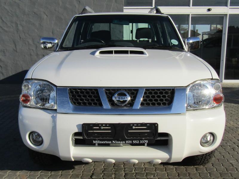 Nissan NP300 Hardbody NP300 2.5D HIGH 4X4 DC