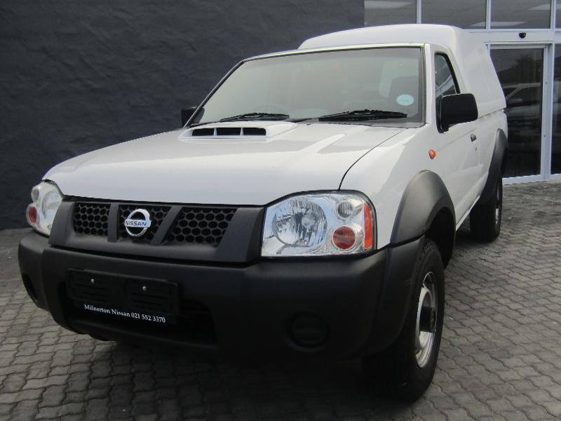 Nissan NP300 Hardbody 2.5D MID 4X4 SC